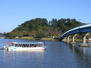湖山池遊覧船から生まれた「因幡の昔話」